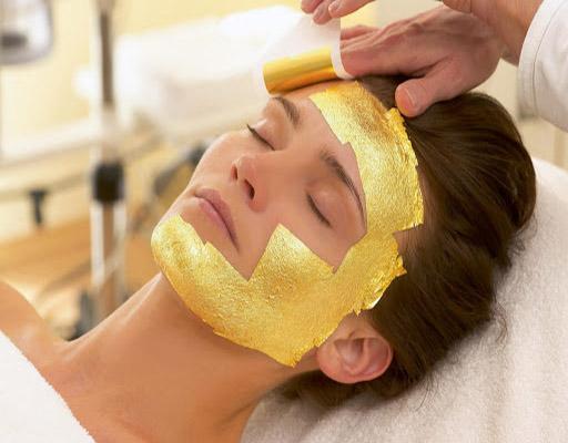 مزایای شگفت انگیز ماسک ورقه ای طلا 24 عیار ایتالیایی manetti برای پوست